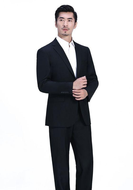 你知道春季商务西装定制穿着搭配应该注意什么?有哪些禁忌?